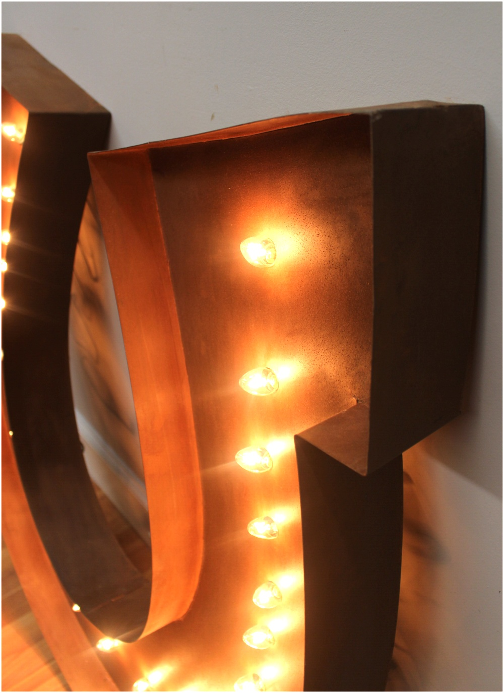 Big Lighted Lucky Horseshoe Sign Rusted Western Equestrian Wall Light