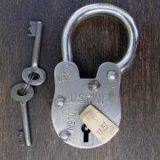 US Mint cellar PADLOCK antique old treasure chest style lock Iron with skeleton key