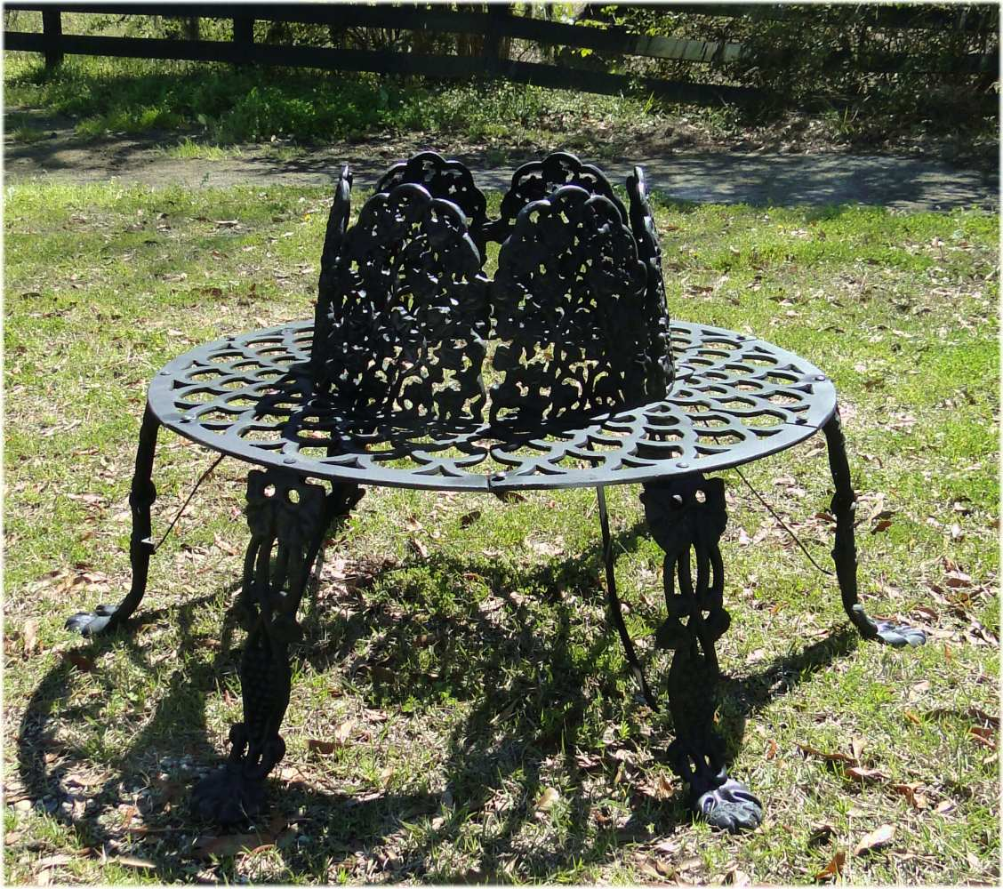 Victorian Tree Surround Vintage Replica Garden Furniture Old Fashioned Outdoor Bench 1 The