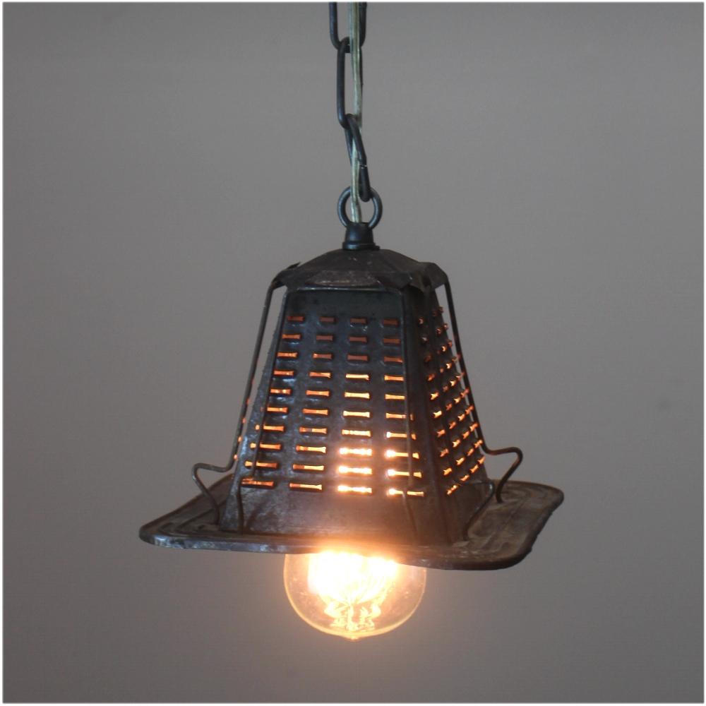 Antique tin metal four slice toaster pendant ceiling light for Antique pendant light fixtures