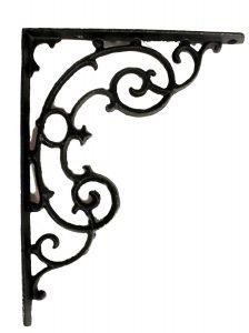 Classic Antique Style Shelf Bracket in Cast Iron Swirls – The Kings Bay