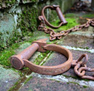 Shackles Prison Leg Irons Bachelor Party Civil War Handcuffs Antique Old Replica Movie Prop