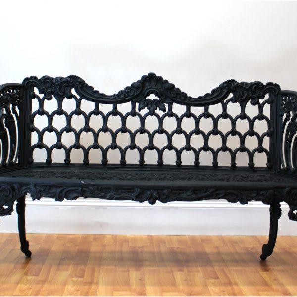 Colonial or Victorian Vintage BIG Garden Bench Fancy Legs Non Rust