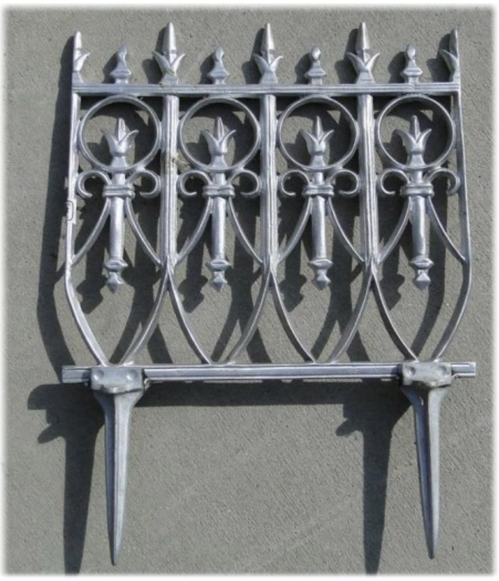 Merveilleux Victorian Garden Fence Heavy Antique Style Old English Lawn Edging Aluminum    The Kings Bay