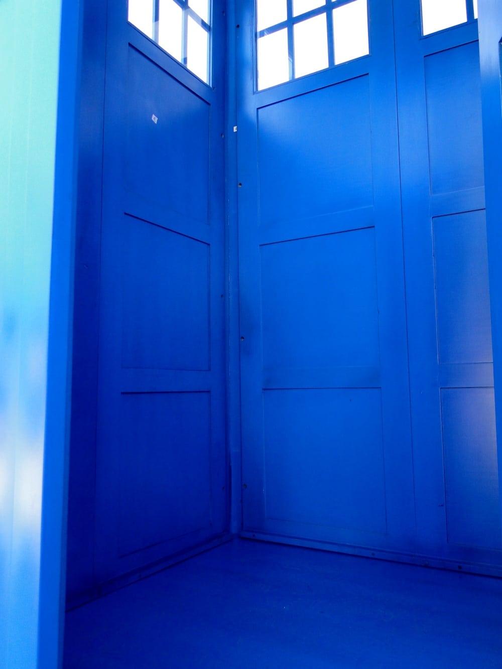 English Police Call Box Doctor Dr Who Tardis Blue Phone