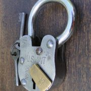 US Mint Cellar Padlock Antique Old Style Treasure Chest w Skeleton Key