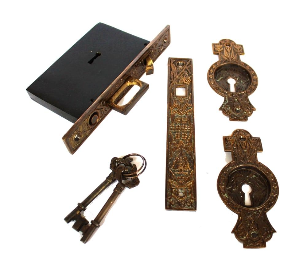 Hummingbird Victorian Pocket Door Lock Latch Set Aged Bronze Finish Cast  Brass
