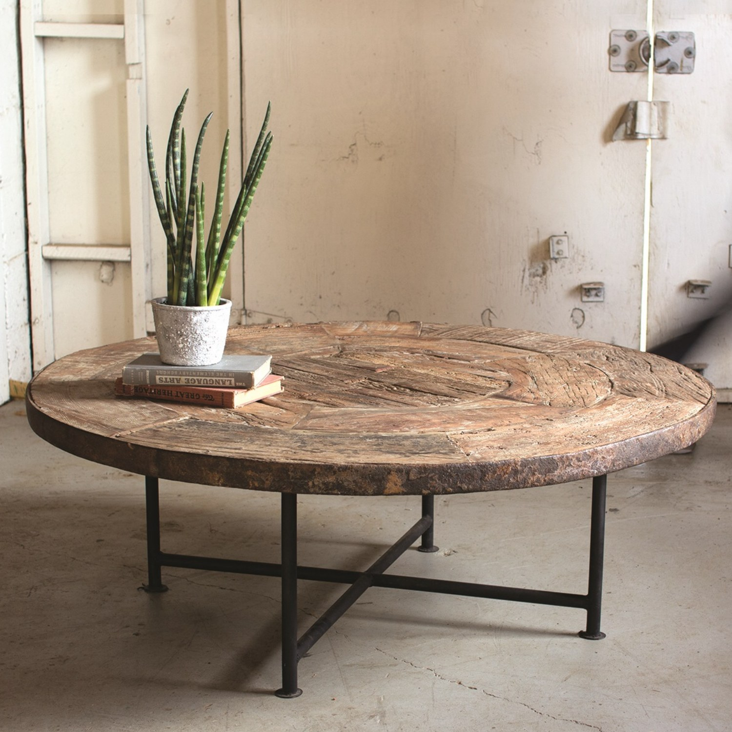 Indoor Home Bars: Round Coffee Table From Recycled Vintage Wood Wagon Wheel