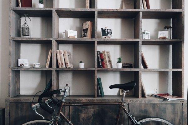 Design Blog - How To Decorate A Shelf