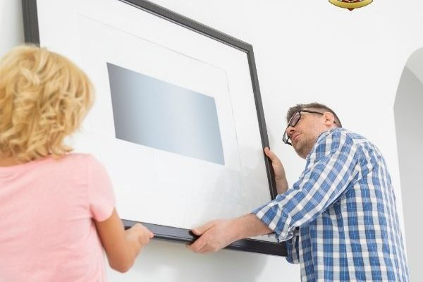 5 Expert Tips for Hanging Your Artwork